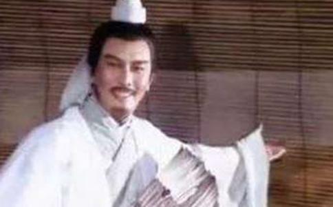诸葛亮在茅庐坐了20多年,为什么曹操不去请他?