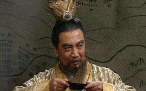 在汉献帝沦为傀儡皇帝后曹操为什么还是要把女儿嫁给他?