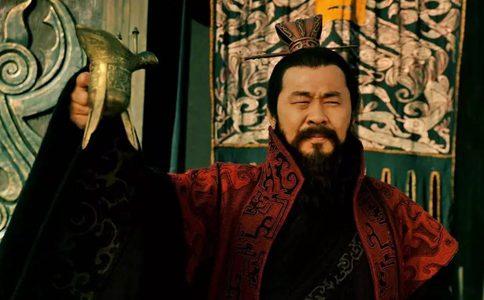 曹操为何要把女儿许配给傀儡皇帝汉献帝?