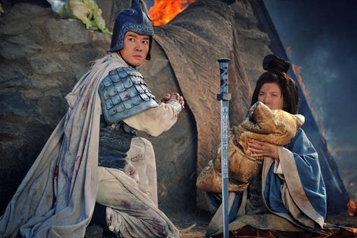 糜夫人将阿斗交给赵云后投井自杀,是因为怕给刘备带绿帽子?