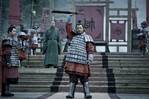 韩信知不知道刘邦要杀他,为什么不起兵造反?