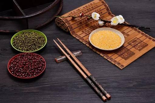 历史上筷子是怎么流传到欧洲的 中国餐具如何改变欧洲的饮食方式