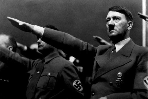二战期间英国一奇葩计划,曾计划给希特勒下毒将其变成女人