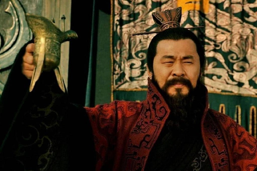 刘备究竟哪里不如曹操?这三点拉开他们之间的差距