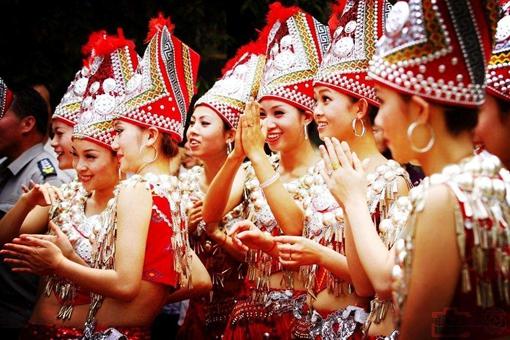 锡伯族服饰文化是怎样的?有着什么特色?