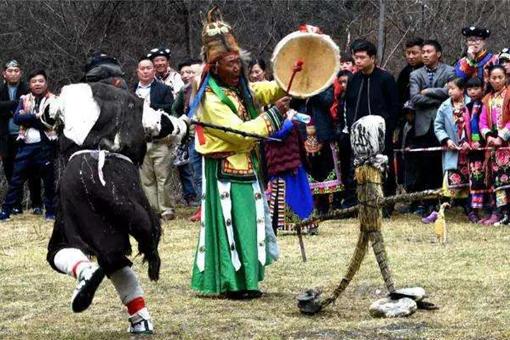 羌族民间戏剧释比戏是怎样的?有着什么特色?