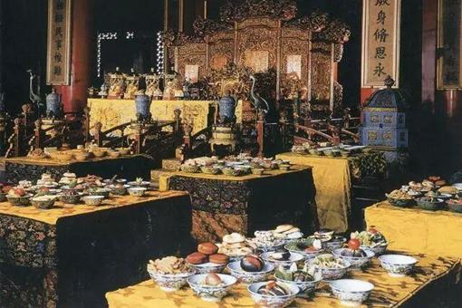 古代皇室贵族和普通百姓的饭菜有什么区别?皇帝一定吃的更