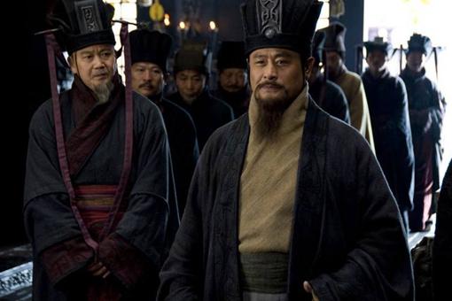 三国曹操的谋士荀彧是怎么死的?到底是因为病死还是服毒自杀?