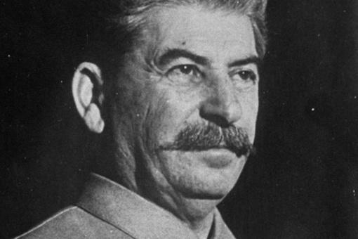 苏德战争中,斯大林为何要处决巴甫洛夫大将?