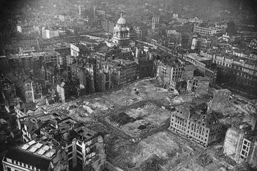 二战期间被德国轰炸了76个昼夜的伦敦市什么样子的?