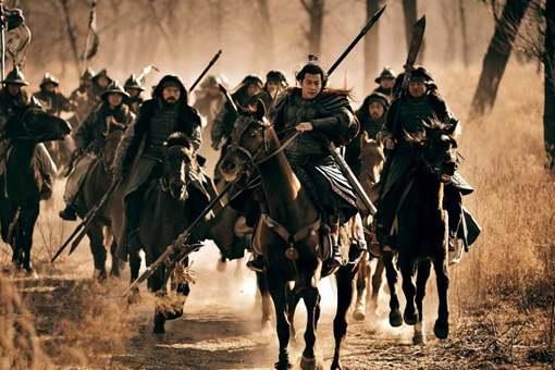 吕布是三国第一猛将,为什么打不过李傕郭汜?