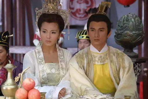 李煜和陈叔宝都是亡国之君,为什么李煜受到同情?