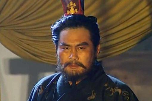 典韦是谁介绍给曹操的?是夏侯惇还是曹操自己发掘的?