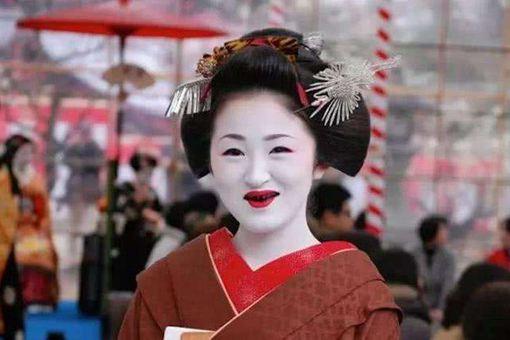古代日本女性妆容为什么那么吓人?为什么要剃光眉毛染黑牙