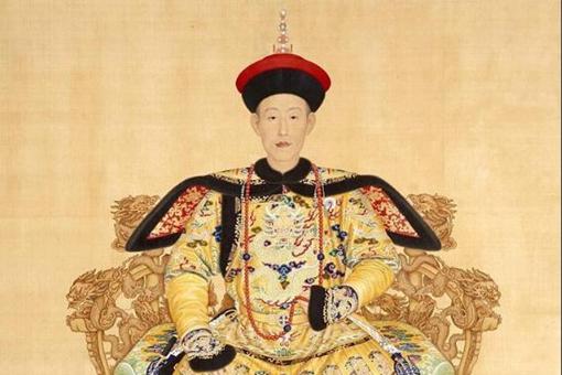 乾隆3年太上皇的生活是如何度过的?防嘉庆,纳晋妃,坑和珅