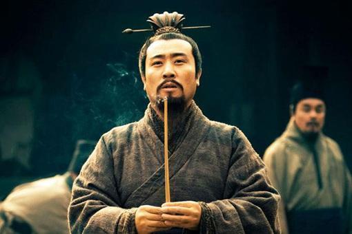 刘备既然选择与曹操为敌,那他什么不投靠袁绍?