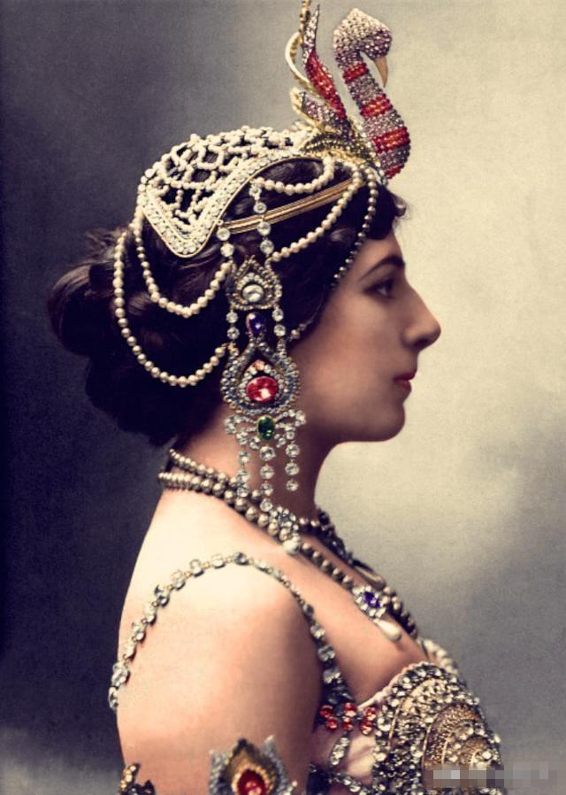 她太美了玛塔哈丽,一组玛塔哈丽的彩照
