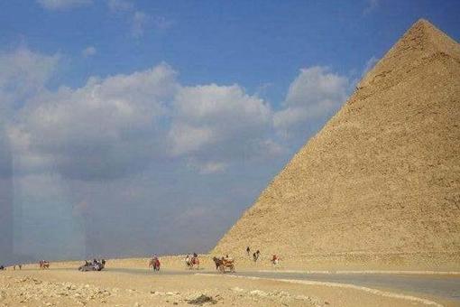 世界七大奇迹,为何只剩下金字塔了?