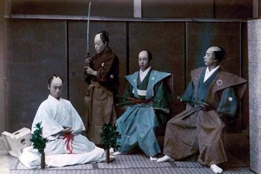 古代日本男人为何要将自己头顶中间的头发剃去?