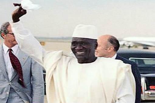 杜尔是如何带领几内亚国民毅然走向独立的道路的?