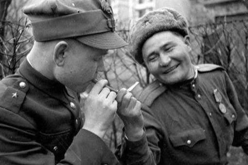 战时香烟对士兵们有多重要?香烟在战争期间是个什么角色?