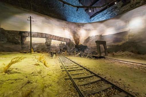 张作霖火车被炸之前有两人悄悄下车,这两个人是谁?