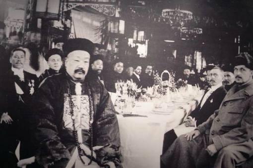 溥仪宣布退位之后,清朝14个省份的巡抚都做出了什么反应?