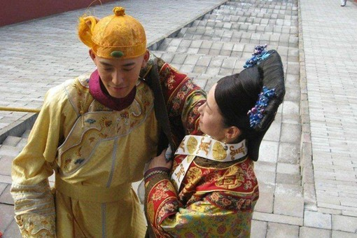 清朝最后三任皇帝都断子绝孙,真的是有人下了恶毒的王朝诅咒?
