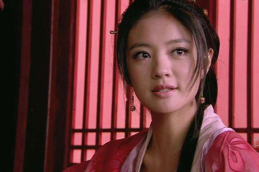 李师师为什么选择燕青,而不选择皇帝宋徽宗呢?