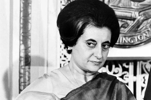 印度铁娘子英迪拉·甘地,为何会被自己守卫打死?