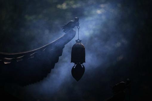 月落乌啼霜满天,乌鸦为何蹄叫?晚上又咋知道霜满天?