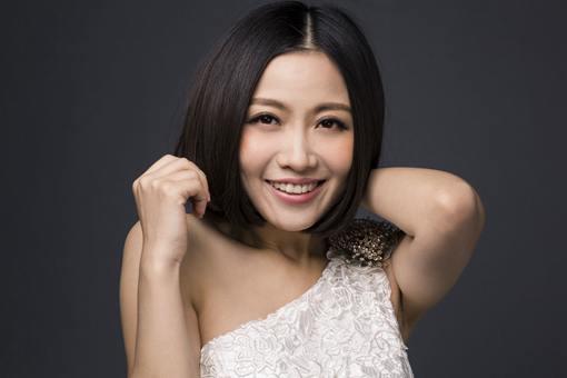 中国著名女歌手姚贝娜病逝