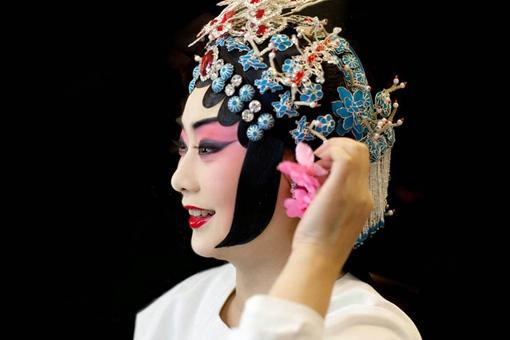京剧第一美人李胜素是一位什么样的人?