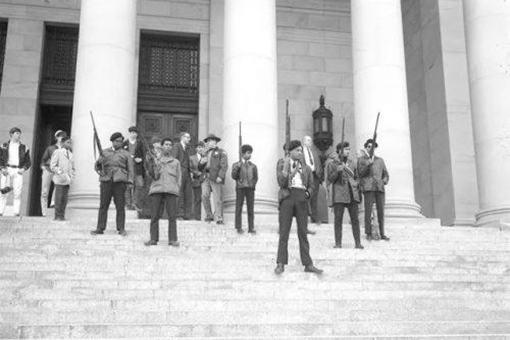 美国黑豹党的首领是谁?黑豹党最后的结局是怎样的?