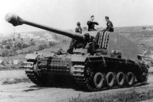 二战德国128mm埃米尔重型