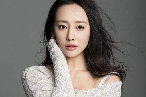 中国内地女演员李纯出生