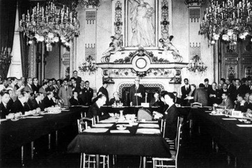 二战后签订《布鲁塞尔条约