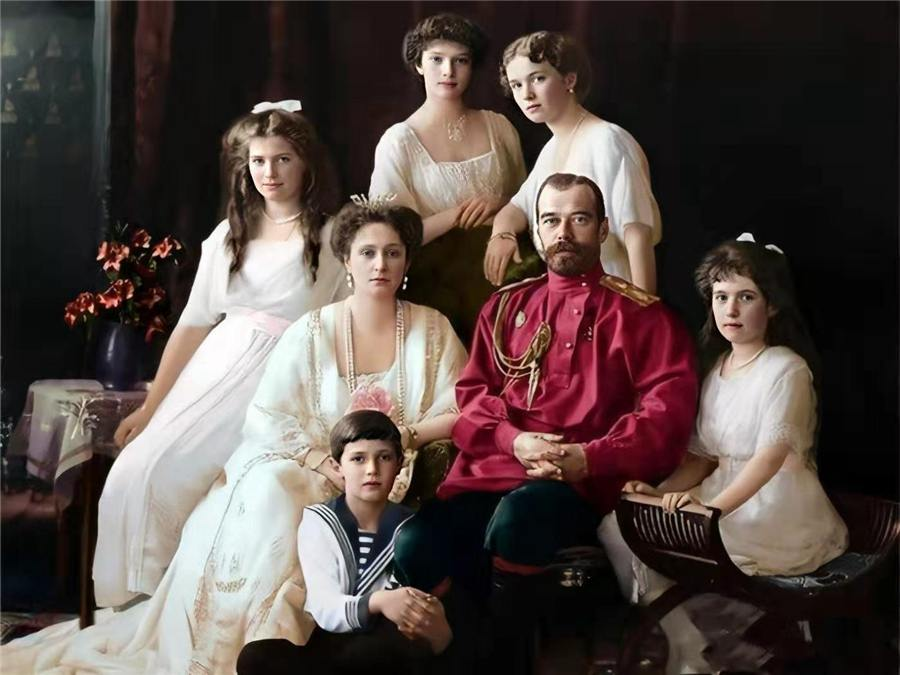 沙皇一家的尸骨图片 沙皇一家老照片