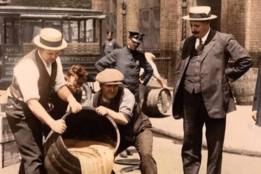 美国为什么牛奶倒掉也不给穷人喝 历史上美国经济大萧条将