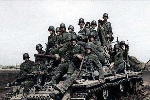苏联进攻柏林的时候为何在外数百万德军坐视不理?