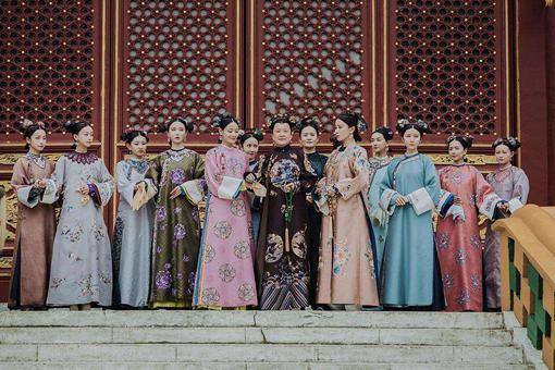 同样是名门出生,为何有的一入宫就是贵人,有的就只能是宫女呢?