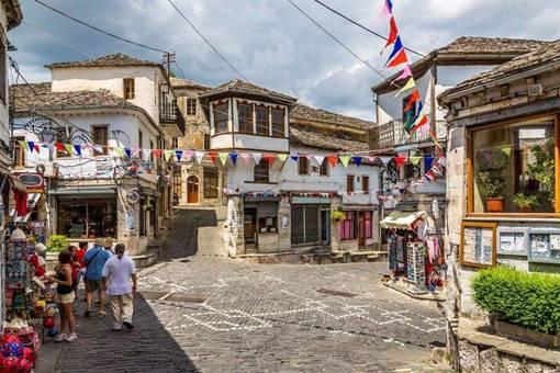 阿尔巴尼亚有多穷?为何说阿尔巴尼亚是扶不起的阿斗?