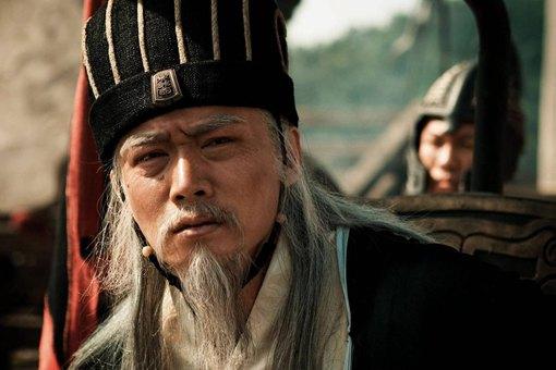诸葛亮之死,为何李严哭的最伤心甚至激愤而死?