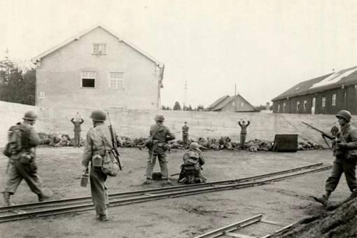 美军占领达豪集中营后为何要枪杀德军俘虏?详解美军达豪集中营杀俘事件