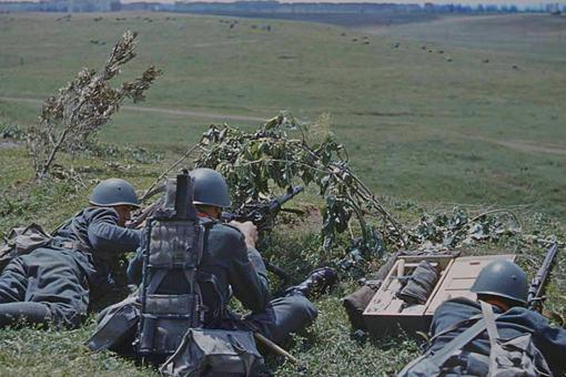 二战意大利精锐troops是what样的?一组意大利精锐撒丁掷弹兵�收�