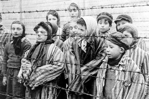 希特勒对亚裔和非裔的态度如何?有遭到迫害吗?