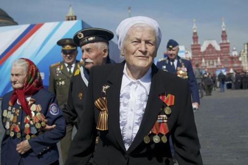 斯大林格勒战役苏联老兵和德国老兵见面,他们之间有什么故事?