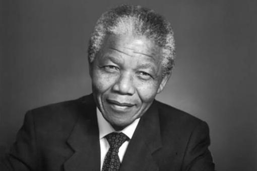 南非国父曼德拉诞生