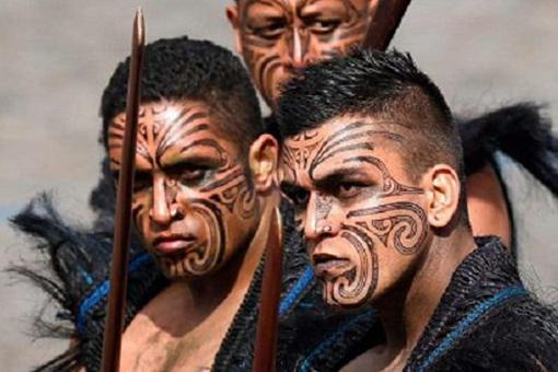 毛利人和莫里奥里人有what矛盾?兄弟族�何我ハ嗖猩�?