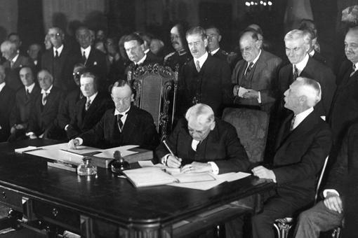 凡尔赛条约有多苛刻?凡尔赛条约是二战的导火索吗?